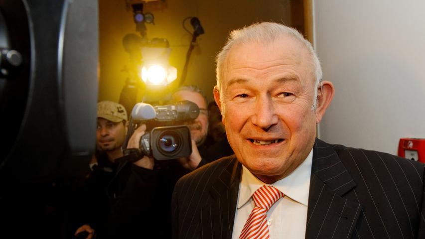 Günther Beckstein, ehemaliger bayerischer Ministerpräsident, stattet dem Opernball in diesem Jahr einen Besuch ab.