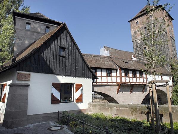 Im Henkerhaus am Henkersteg kann man sich im rechtsgeschichtlichen Museum zum Beispiel über die Arbeit des Henkers Franz Schmidt informieren. Hier befand sich auch seine Dienstwohnung.