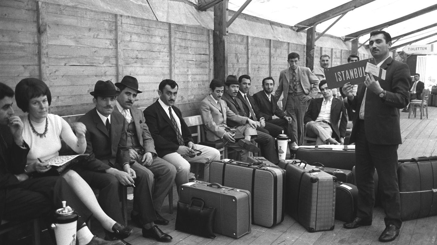 Ende Oktober 1961 kamen die ersten Gastarbeiter aus der Türkei nach München und im Anschluss auch nach Nürnberg.