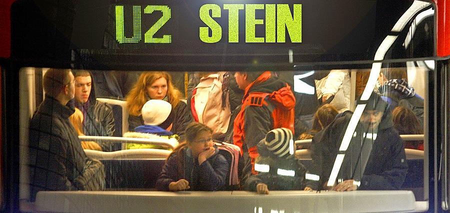 Die Variante der U-Bahn-Verlängerung nach Stein und Eibach schneidet angesichts der Kosten von 212,5 Millionen Euro sehr schlecht ab. Mit einem Wert von 0,70 erscheint  diese U-Bahn-Variante den IVV-Gutachtern  derzeit nicht sinnvoll.