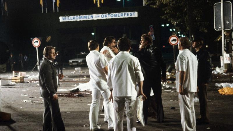 26. September 1980, Bombenanschlag in München: Bei dem Attentat des Rechtsextremisten Gundolf Köhler auf das Oktoberfest sterben 13 Menschen – darunter auch Köhler.