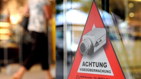 Mädchen klauen Waren im Wert von fast 4000 Euro in Nürnberger Einkaufszentrum