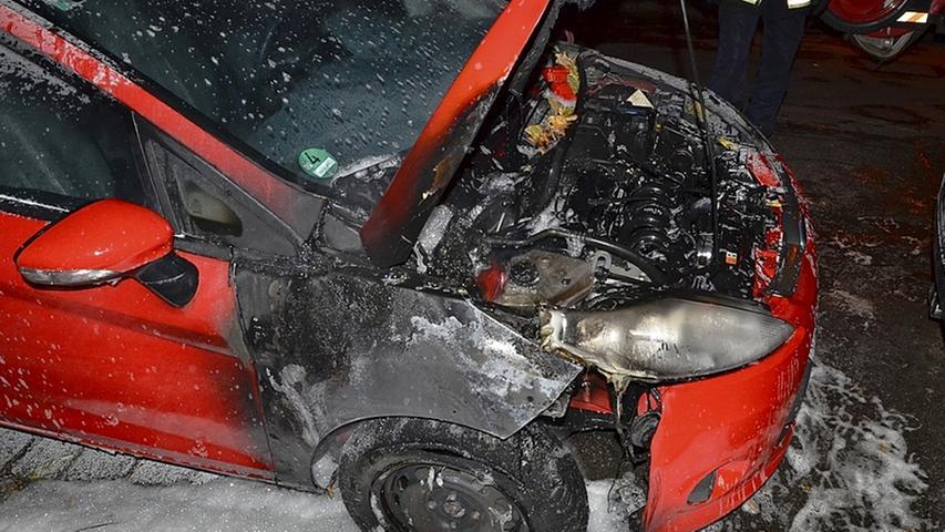 Anschlag auf Auto eines Nazi-Gegners