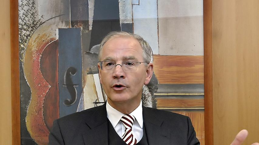 Kritik an Ausländerbehörde: Erlanger OB will runden Dreier-Tisch