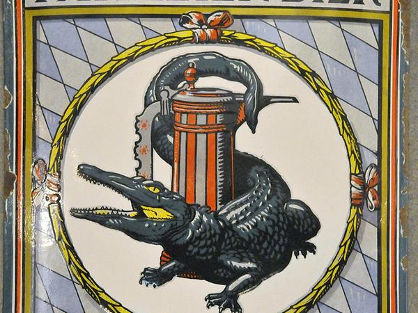 Das Ledererkrokodil geht auf einen Entwurf  Friedrich Wanderers zurück.