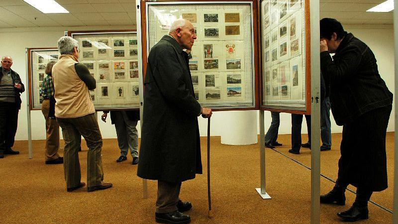 Treffpunkt für leidenschaftliche Sammler: Briefmarken-Ausstellung im Basement des City-Centers 2007.