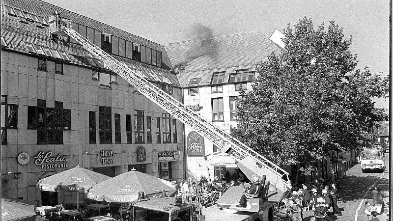 Die Feuerwehren Fürths nutzten im Jahr 2000 das City-Center für einen Übungseinsatz.