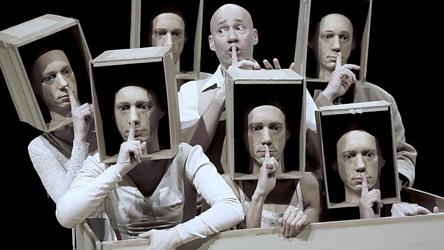 """Das Stück """"Voyageurs Immobiles"""" der Compagnie Philippe Genty beim Figurentheaterfestival."""