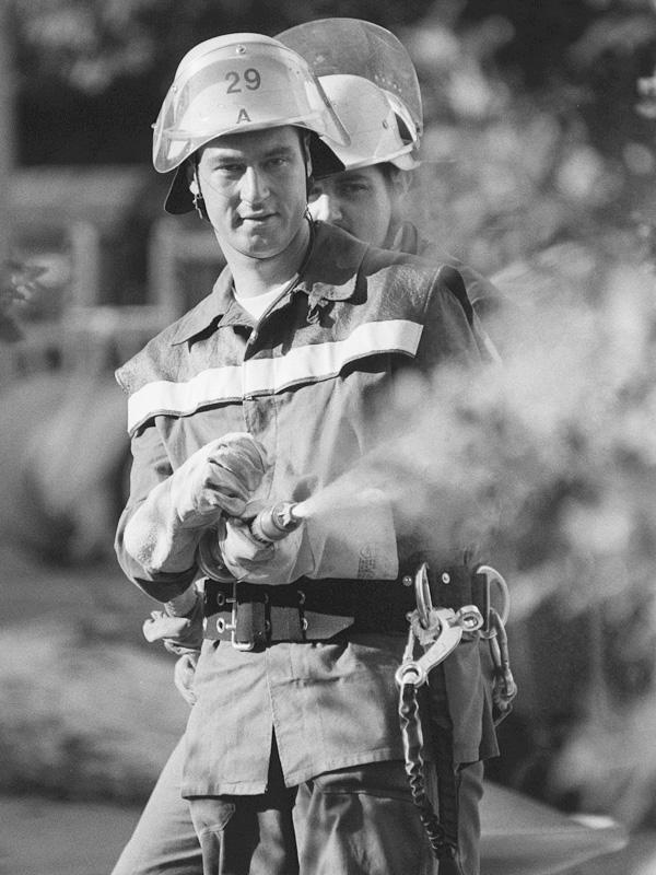 Wahlkampf: Markus Söder als Feuerwehrmann.