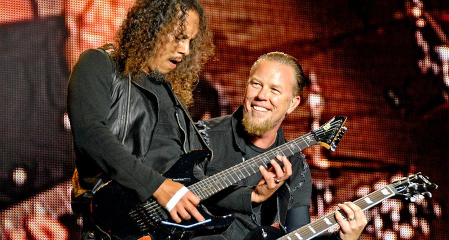 In diesem 3D-Film steht ein Roadie der Band Metallica im Fokus, der in ein verrücktes Abenteuer verwickelt wird, während immer wieder Liveaufnahmen von Metallica-Konzerten dazwischengeschnitten werden. Das Material stammt von Shows in den kanadischen Städten Edmonton und Vancouver.