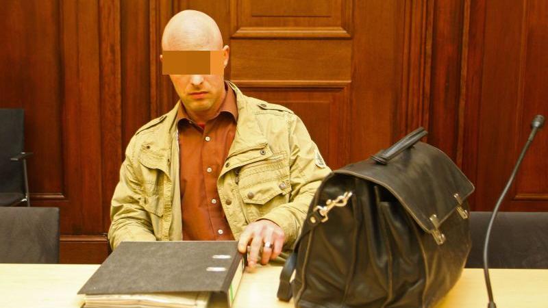 Ein Briefpäckchen aus China wurde ihm zum Verhängnis - angesichts der erdrückenden Beweislage gestand der angeklagte Bodybuilder aus Schwabach alle Vorwürfe.