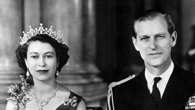 Witzig, sarkastisch, politisch unkorrekt oder gar respektlos: Wegen seiner Äußerungen in der Öffentlichkeit gingen die Meinungen über Prinz Philip, den Ehemann der britischen Königin Königin Elisabeth II., weit auseinander.