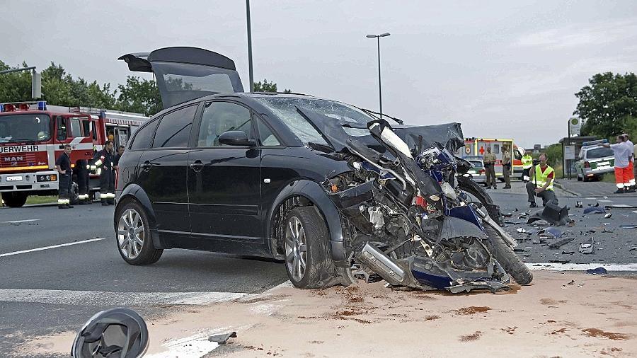 Ein Rollerfahrer kam im Juni 2011 bei Boxdorf ums Leben, als ein Auto mit ihm zusammenstieß.