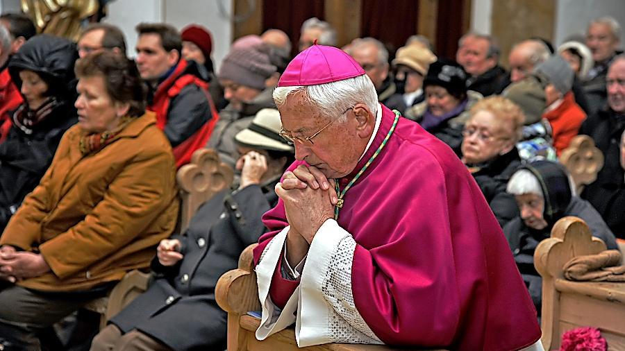 Walter Mixa in der Berchinger Kirche St. Lorenz (Archivbild von 2012).