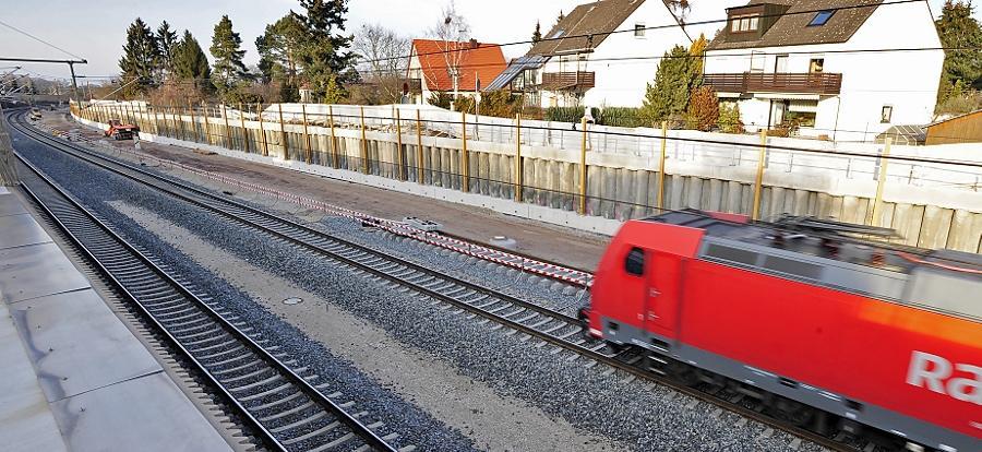 Im sogenannten Fürther Bogen endet bis dato der Ausbau der S-Bahnstrecke. Daran wird sich auch nichts ändern, so lange keine Entscheidung zum Verschwenk durchs Knoblauchsland getroffen wird.
