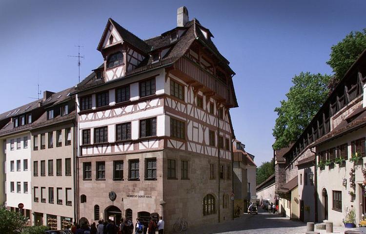 Dürers Gesamtwerk soll in einer digitalen Installation lebendig werden. Für das Dürerhaus wird zudem eine Audioinstallation erarbeitet.