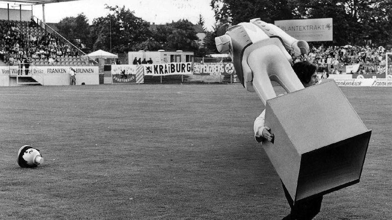 Offizielle Einweihung des Playmobil-Stadions im Juli 1997.
