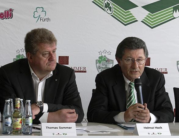 Aufbruchstimmung: Privatinvestor Thomas Sommer (links) und SpVgg-Präsident Helmut Hack konkretisierten ihre Stadionpläne.