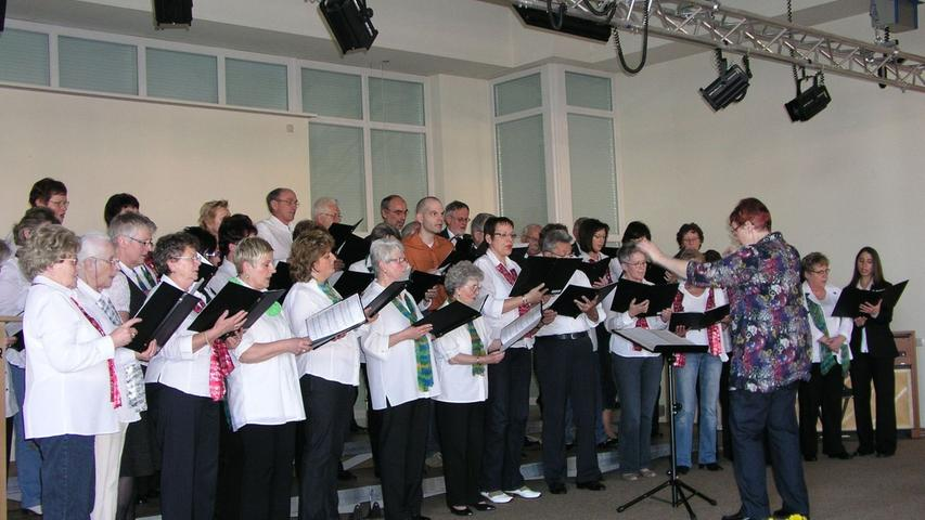 Der Gruppenprojektchor unter Leitung von Gruppenchorleiterin Christiane Brenner.