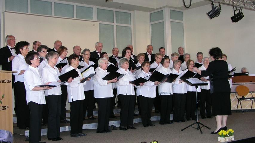 Der Liederkranz Höchstadt unter der Leitung von Irina Konjaev.