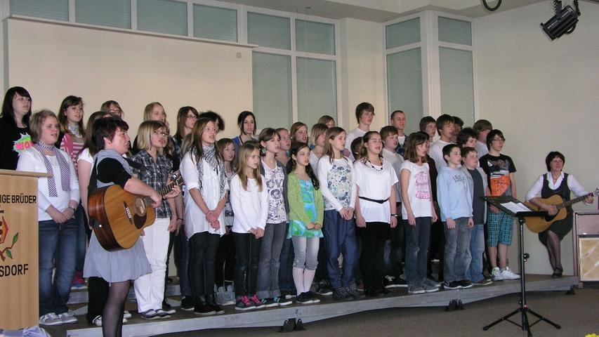 Der Jugendchor der Regelschule Hermsdorf aus dem Saale-Holzland-Kreis unter Leitung von Martina Stahl
