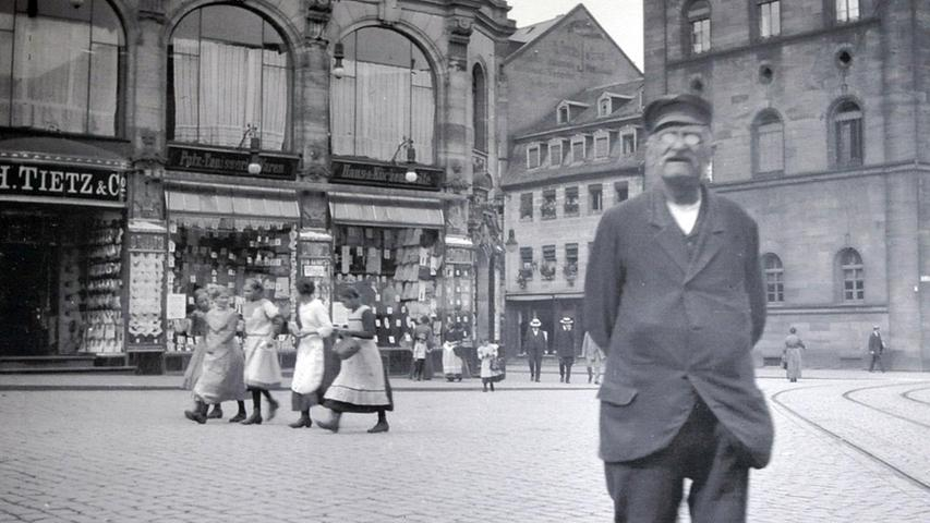 Historische Aufnahme vom früheren Warenhaus Tietz.
