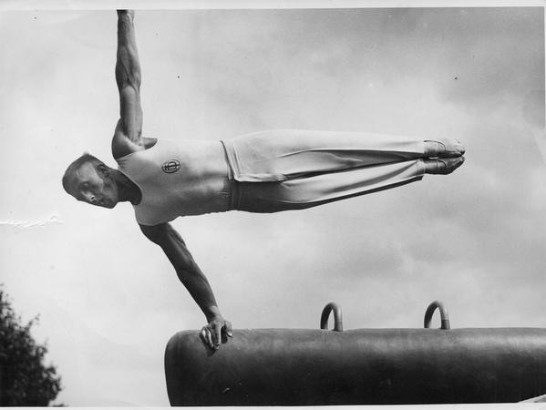 Kunstturner Alfred Schwarzmann in den 1930er Jahren.
