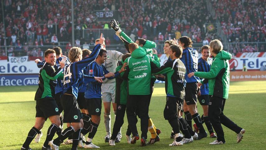 Auch in der Saison 2007/08 wurde auf Fürther Seite unter Neu-Coach Bruno Labbadia viel getanzt und gelacht, nur eben dummerweise wieder nicht im Mai. Der Vorsprung auf Platz vier betrug nach dem 2:1-Erfolg am 19. Spieltag in Mainz allerdings auch