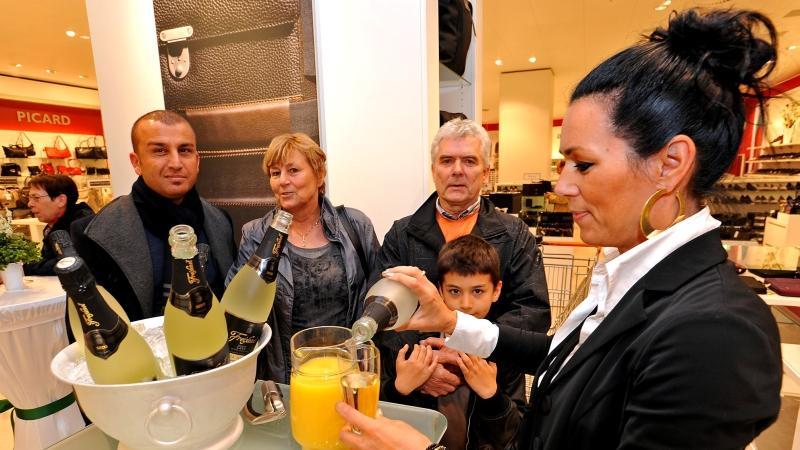...der Erlös des Sektverkaufs kommt der Kinderkrebsstation der Uniklinik Erlangen zugute.