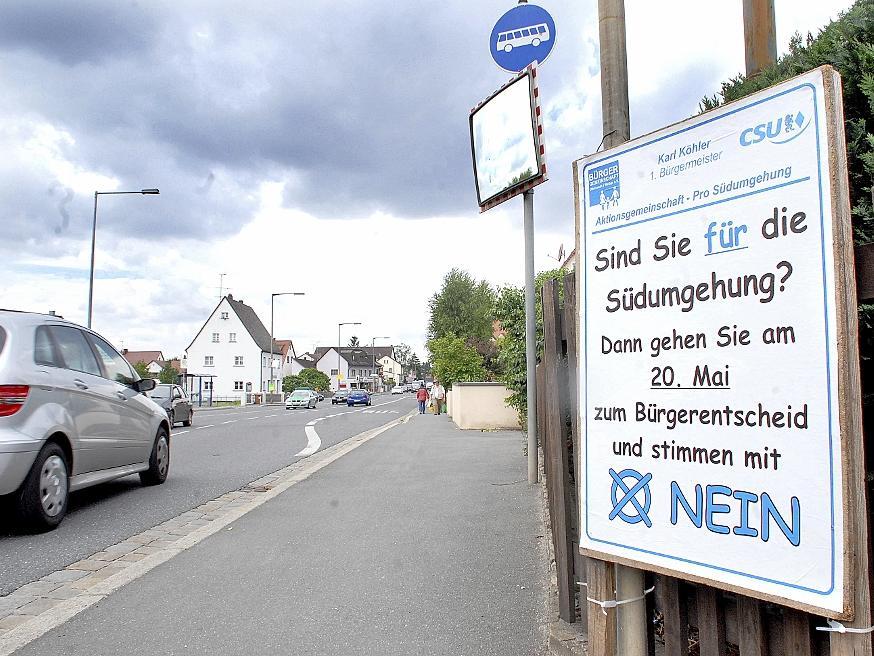 Die Südumgehung ist in Buckenhof schon seit Jahren ein Zankapfel. Sicher ist aber, dass im kommenden Jahr die Ortsdurchfahrt mit Flüsterasphalt belegt wird.