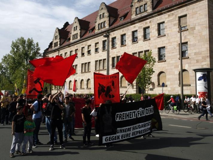 Seit der Festnahme erfährt Deniz von linken Gruppen immer wieder Unterstützung.