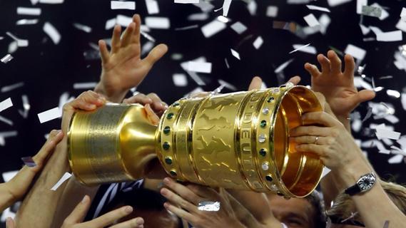 Pokal-Gegner für Kleeblatt und Club? Mozart lost's aus
