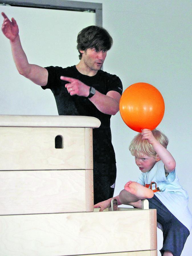Tipps vom Fachmann: Übungsleiter Nikolaus Röhrer ist Sportwissenschaftler und betreut die Kinder mit altersgerechten Konzepten.