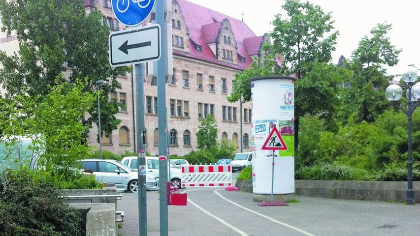 Stufenweise soll der Etat für den Radverkehr nach den Vorstellungen der SPD stufenweise auf 10 Millionen Euro jährlich aufgestockt werden. Zusätzlich will die Partei mehr Personal zum Planen und Bauen neuer Radwege beim Verkehrsplanungsamt und bei Sör einstellen.