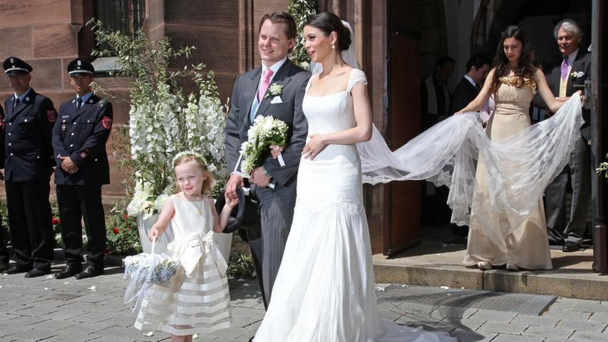 Der Sohn des Bleistiftherstellers Anton Wolfgang Graf von Faber-Castell, Charles Alexander, und seine Ehefrau Melissa Eliyesil haben am 26. Mai 2012 kirchlich geheiratet. Hier sind die schönsten Bilder.