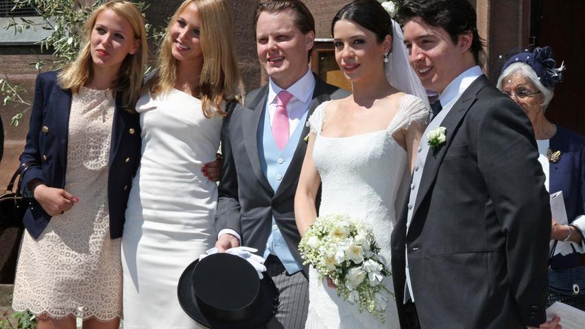 Das Brautpaar und seine Geschwister Sarah und Victoria von Faber-Castell und Sadi Eliyesil.