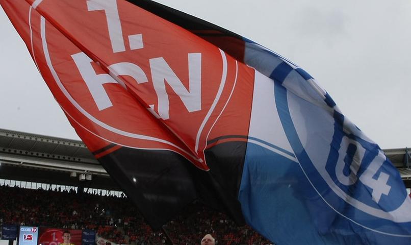 Club gegen Schalke - für die Fans ein ganz besonderes Spiel. Im Frankenstadion wie hier, so auch in der Veltins-Arena auf Schalke.