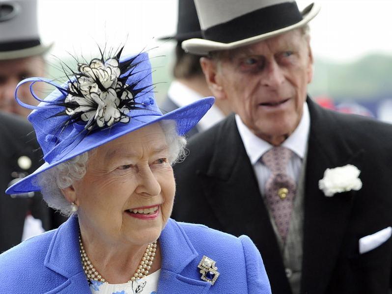 Königin Elizabeth II. und Prinz Philip in Feierlaune.
