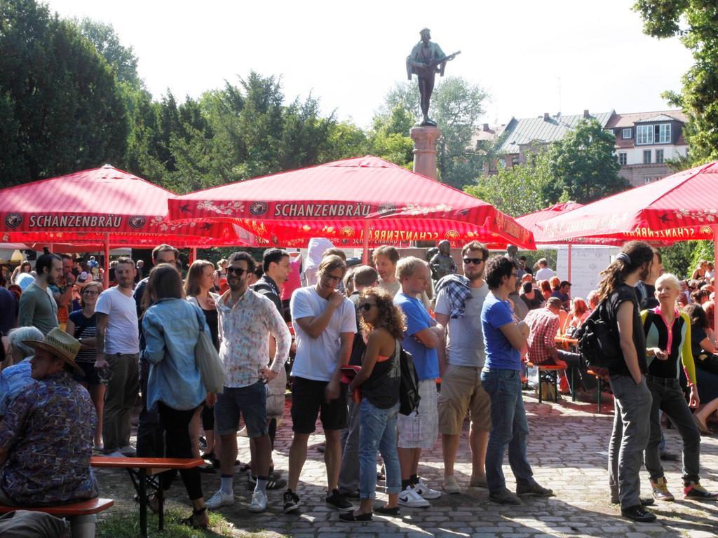 Nuernberg, 23.06.2012..Rosenau-Park , Sommerkiosk , ..Ressort: Feuilleton Foto: Stefan Hippel ..