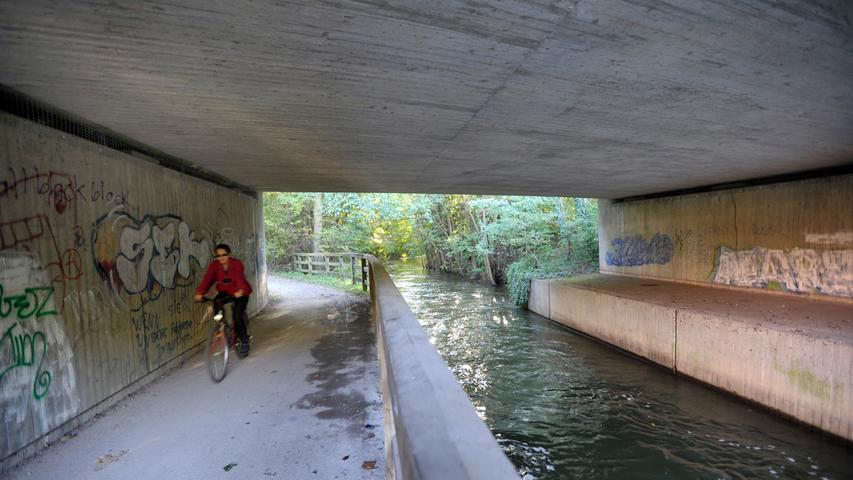 Der Wöhrder See wird heute von der Stadtbevölkerung für Spaziergänge, Joggen, Radeln, Bummeln und Fischen genutzt.
