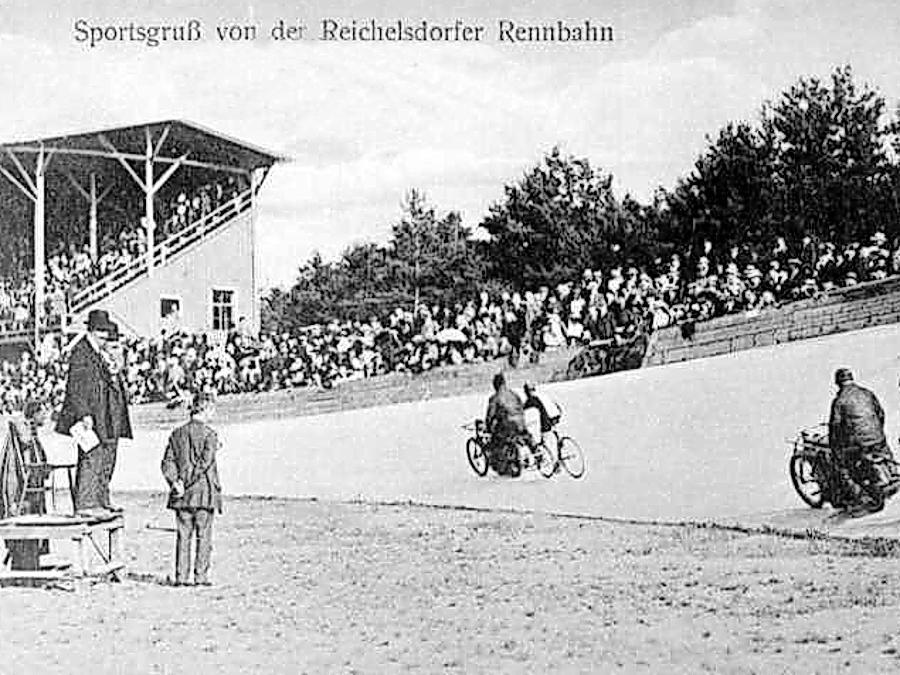 Immer gut besucht: Schon bei der Eröffnung im Jahr 1904 erfreute sich die Radrennbahn am Reichelsdorfer Keller größter Beliebtheit. Die Zuschauer waren fasziniert von den lärmenden Motoren der Schrittmacher und dem Mut der Steher.
