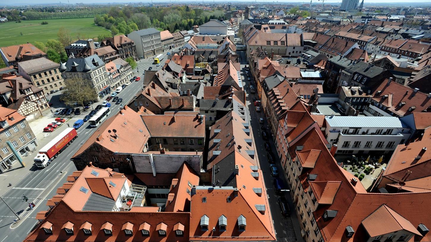 Wissenswertes über Fürth - unser Bild zeigt den Blick vom Rathausturm in Richtung Theater - findet sich im FürthWiki.