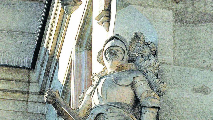 """Die Sandsteinstatue """"Ritter Kreß von Kressenstein"""" hat Wanderer 1889 entworfen."""