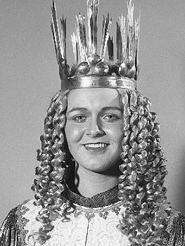 Claudia Stühler war das 8. gewählte Christkind in den Jahren 1983 und 1984. Sie starb im September 2000.