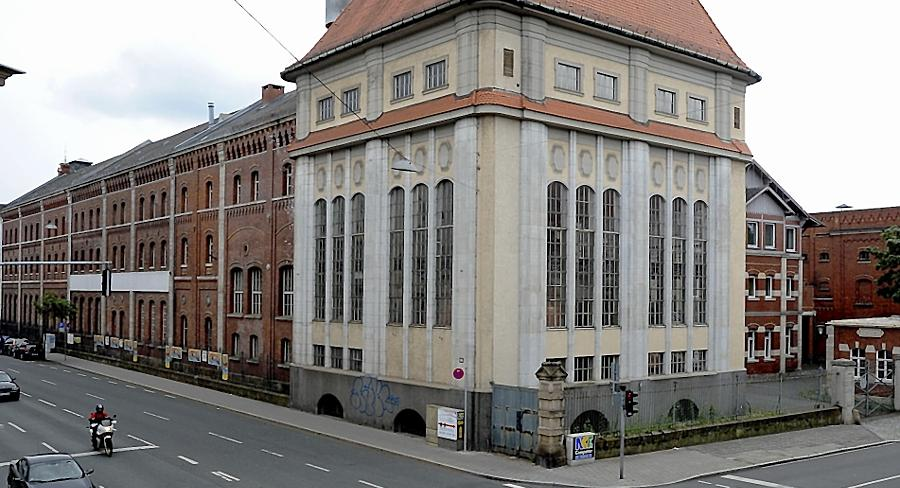 Das historische Sudhaus in der Schwabacher Straße: Das Gebäude soll eines Tages gastronomisch genutzt werden, kürzlich machten sich hier Kupferdiebe zu schaffen.