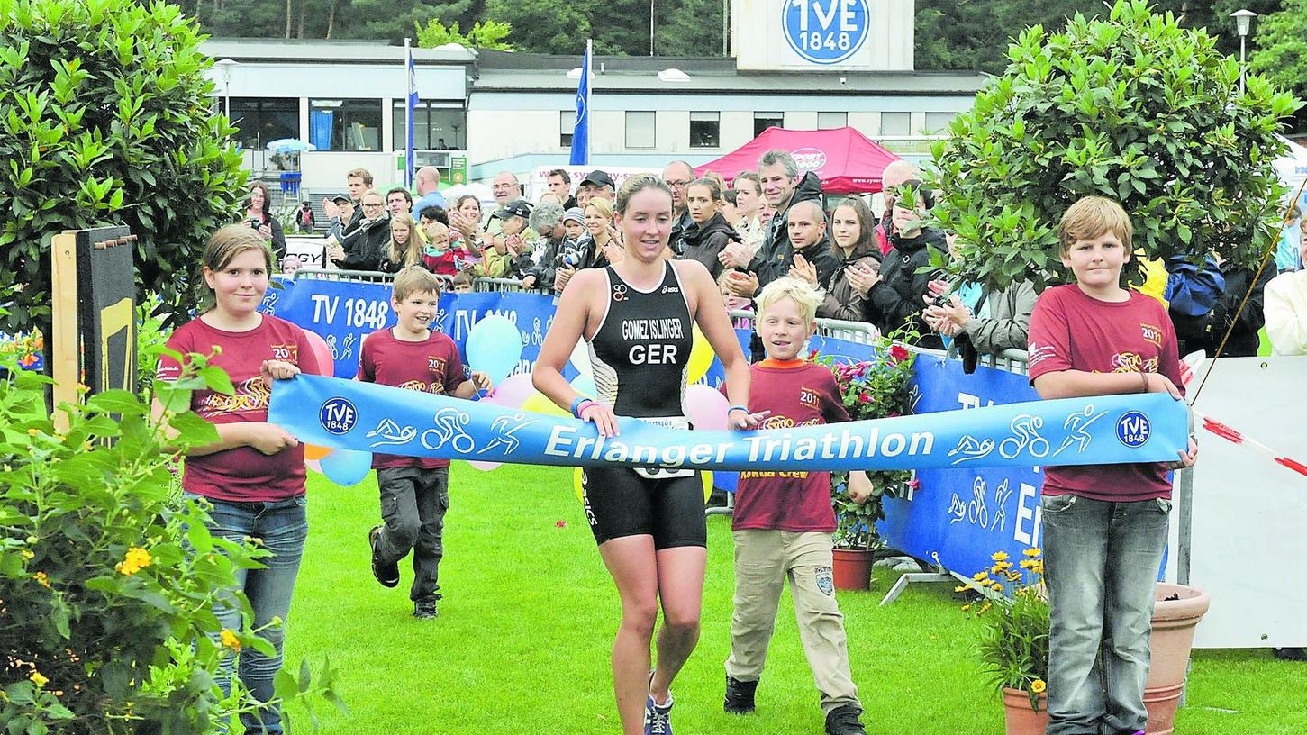 Einen Tag nachdem TV48-Athletin Anne Haug bei Olympia gestartet ist, veranstaltet ihr Heimverein den Erlanger Triathlon - hier die Vorjahressiegerin Marlene Gomez-Islinger.