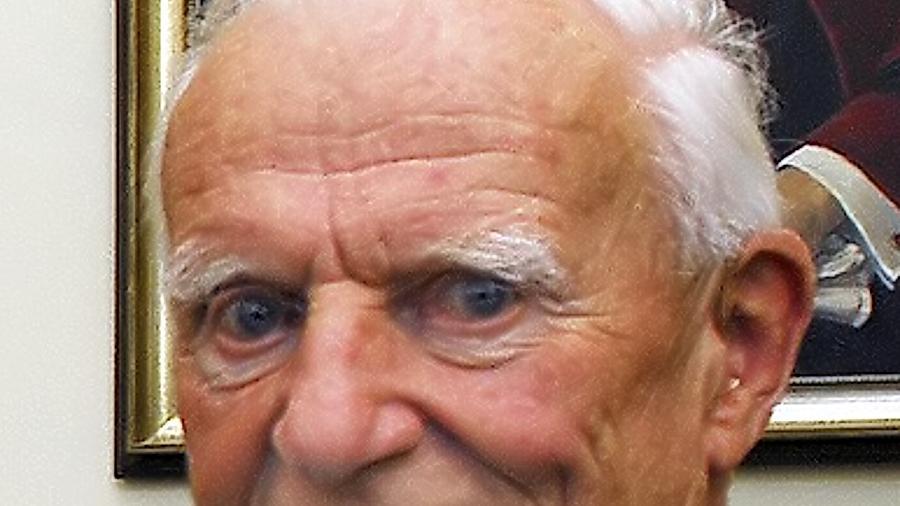 Prof. Nikolaus Fiebiger wird heute 90 Jahre.
