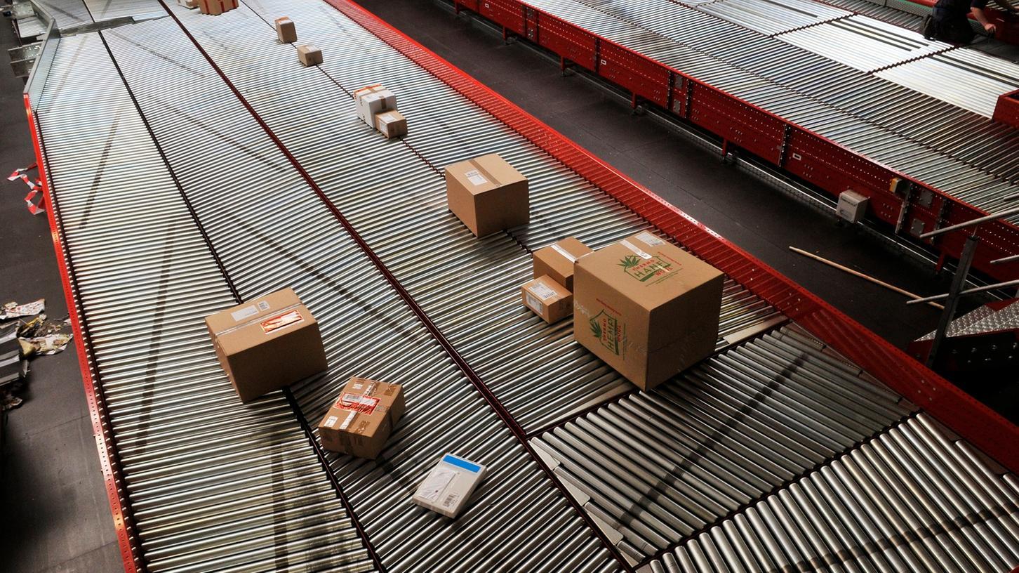 7500 Lieferungen pro Stunde wird die vollautomatische Paketsortieranlage in Dinkelsbühl bewältigen können (Symbolbild).