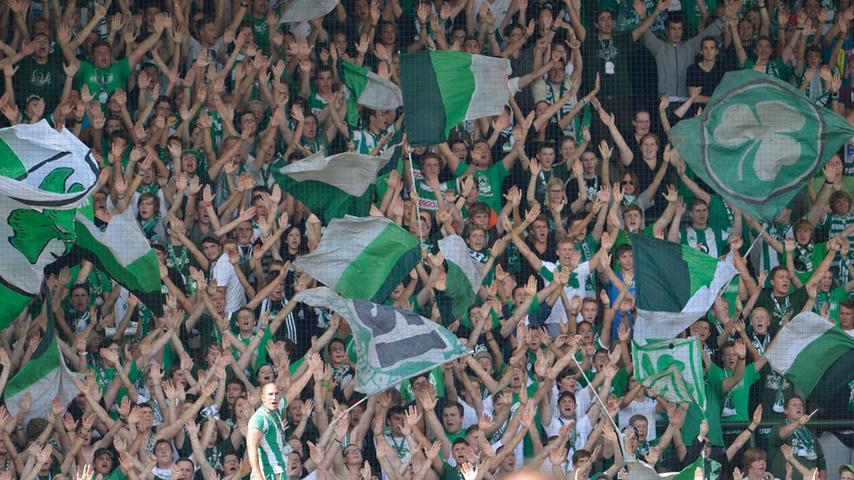 Die Fürther Fanssorgten für tolle Stimmung und unterstützten ihre Mannschaft eindrucksvoll.