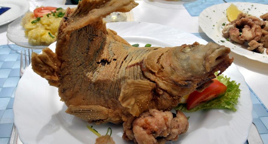 Es wäre heutzutage problemlos möglich, den beliebten Speisefisch ganzjährig auf den Tisch zu bekommen, doch die Tradition verbietet dies. Nur in Monaten die den Buchstaben